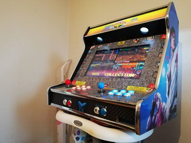 Bartop 24″ with Street Fighters vinyl