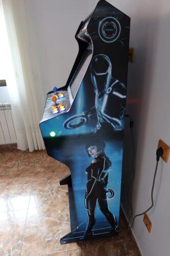Bartop pedestal personalizado 4 333x500 - Bartop + Piedistallo con design personalizzato -