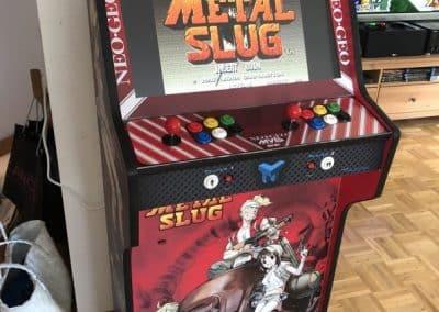 Bartop 24″ y pedestal con vinilo de Metal Slug
