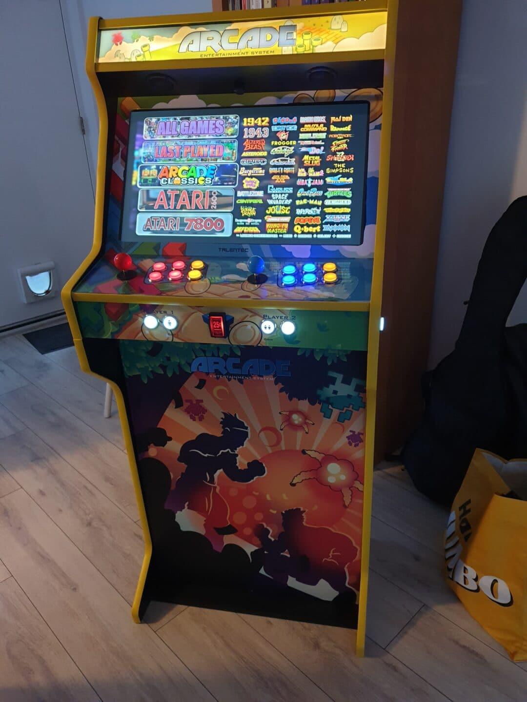 Bartop 24″ et socle avec le design de Mix Games