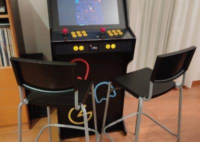Mueble Next Stage con diseño personalizado de PacMan